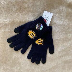 UWEC winter touchscreen gloves